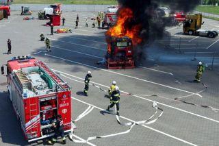 MAN wspiera strażaków