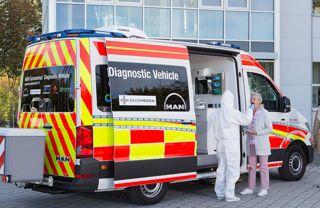 Pojazd diagnostyczny MAN do wykonywania testów na obecność koronawirusa
